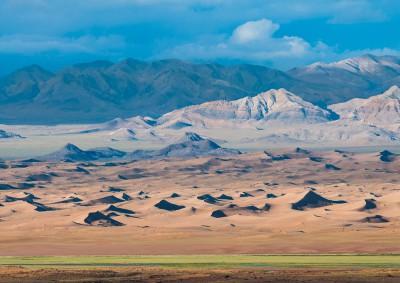 Fotoobraz - Mongolská pouštní krajina v oblasti Chomiin talu