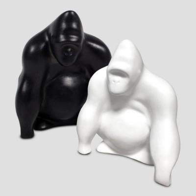 Gorilí soška bílá